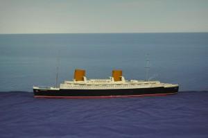 SS Bremen IV (1:400)
