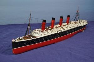 RMS Lusitania (1:350)