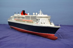 RMS Queen Mary 2 (1:600)