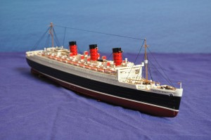 RMS Queen Mary (1:570)