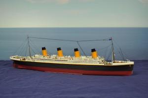 RMS Titanic (1:350)