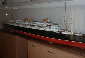 SS Bremen (1:100)