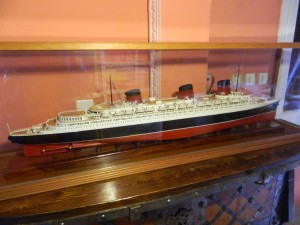 SS Normandie (1:260)