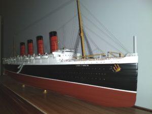 RMS Lusitania (1:200)